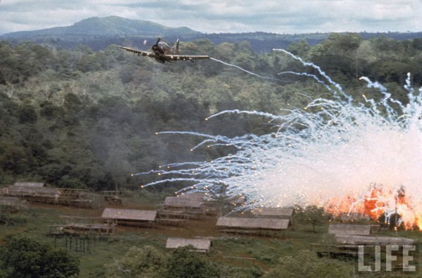 skyraider-drops-napalm-and-white-phosphorous-during-the-vietnam-war