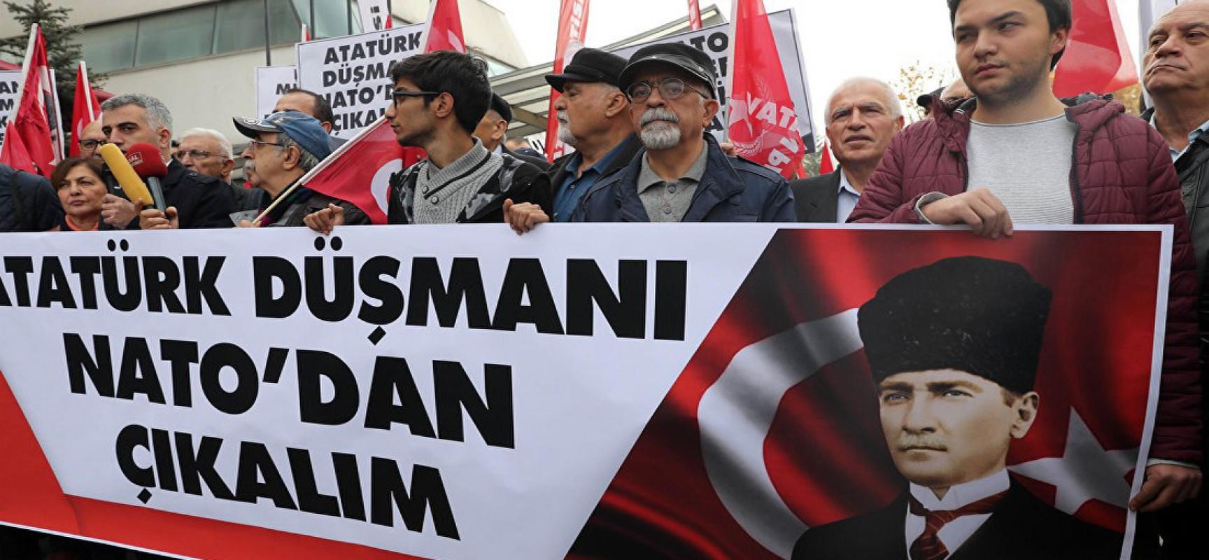 Insultée, la Turquie souhaite sortir de l'OTAN