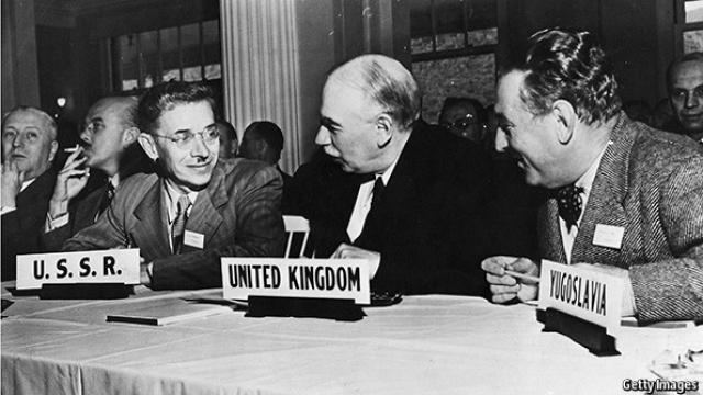 Une délégation soviétique participe à la conférence de Bretton Woods, juillet 1944