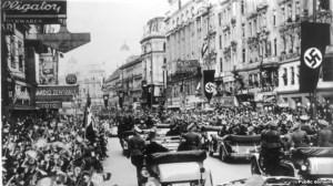 Les troupes allemandes entrant à Vienne, mars 1938