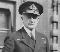 L'amiral Dudley Pound, responsable de la destruction du convoi PQ 17, a démissionné le 5 octobre 1943 et était mort le 21 octobre de la même année ...