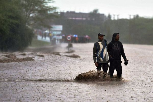 Local people fear that a natural disaster will occur without warning.  (Photo: Tony Karumba / AFP)