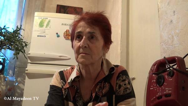 """""""J'ai une maladie de la thyroïde. Il y a des familles de trois personnes dans le quartier et toutes les trois ont une maladie de la thyroïde. Ils disent que c'est à cause du laboratoire"""", explique Eteri Gogitidze du quartier Alexeevka où se trouve le laboratoire. (©Al Mayadeen TV)"""