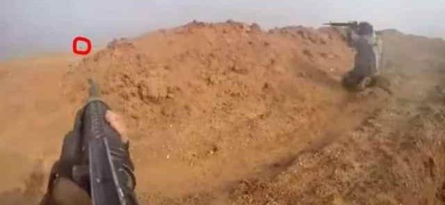 Syrie: Les terroristes de Daech abandonnent leur commandant dans un combat au corps à corps avec des troupes kurdes