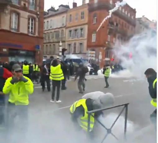 Toulouse (sous les gaz lacrymogènes)