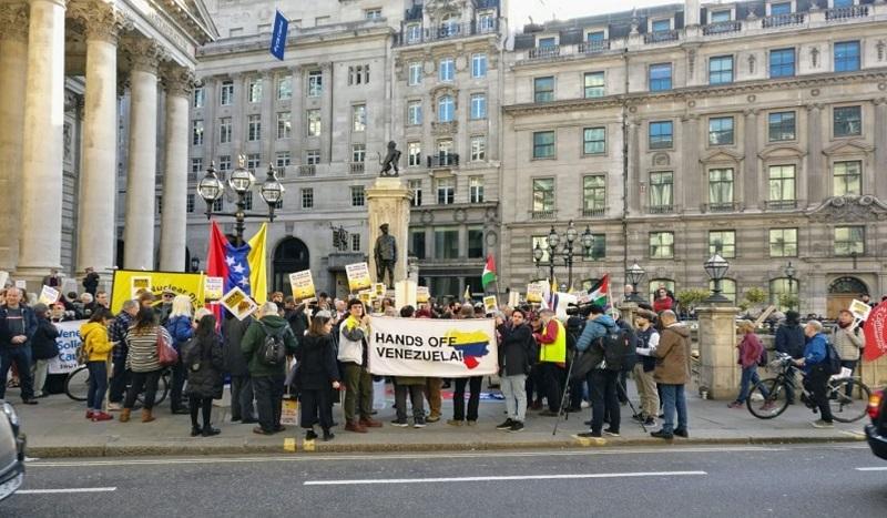 Le Royaume-Uni commet un « hold-up » de l'or vénézuélien, selon un universitaire