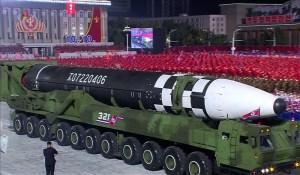 La (très) grosse surprise nord-coréenne de ce mois d'octobre : un très gros ICBM à propergol liquide
