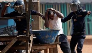 Des milices et des morts, la Côte d'Ivoire au bord du gouffre