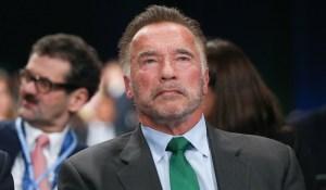 Arnold Schwarzenegger compare l'incident du Capitole à la Nuit de Cristal et se tire une balle dans le pied