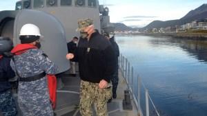 Le commandant américain Faller au phare du bout du monde
