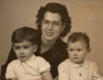 # Mãe da Mãe005 1