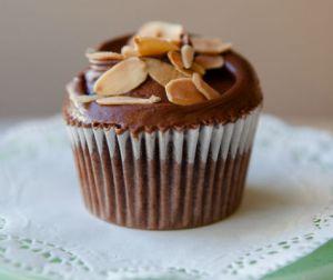 resepi-cupcake-coklat-bersama-badam