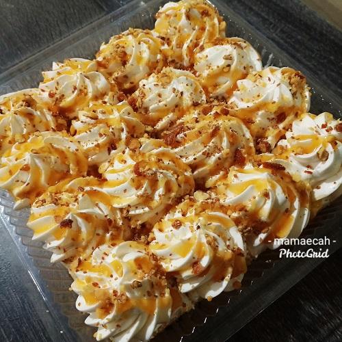 Kek Butterscotch with Honey Roasted Almonds