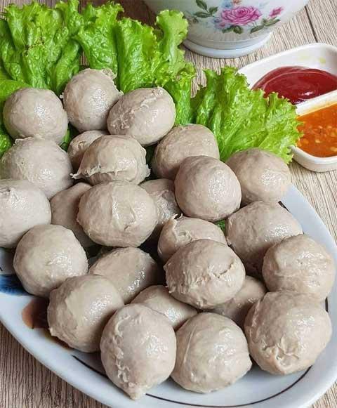 Resep Bakso Daging Sapi : resep, bakso, daging, Resep, Bakso, Rumahan, Kenyal, Sederhana, Super, Lezat
