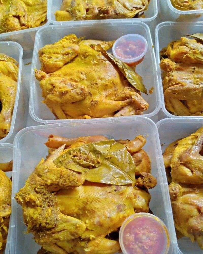 Resep Ayam Ungkep Bumbu Kuning, Bisa Jadi Stok Lauk yang