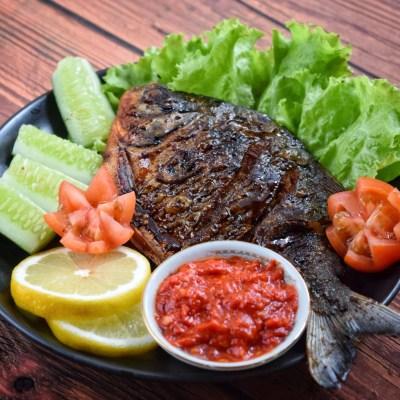 Ikan bawal bakar bebas bau amis