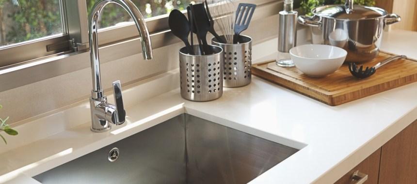 3 Tips Praktis Membersihkan Sink atau Wastafel Stainless di Dapur