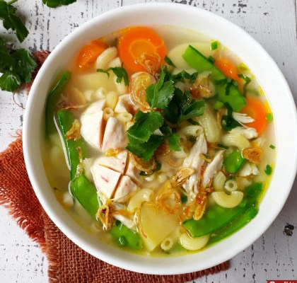 Sup makaroni ayam gurih