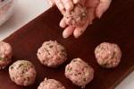 4 Tips Membuat Bola Daging Agar Tidak Hancur & Tetap Set