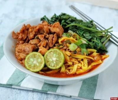 Gambar Hasil Membuat Resep Mie Kangkung Ayam