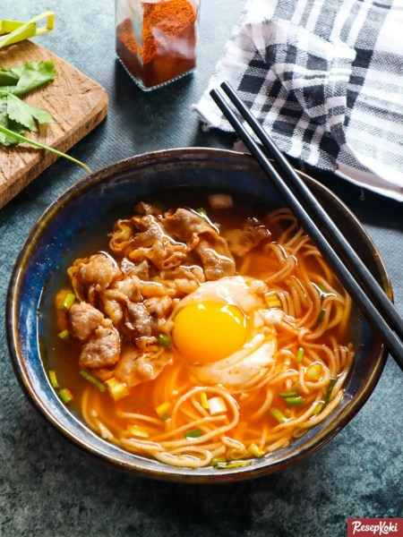 Gambar Hasil Membuat Resep Mie Korea Ramyeon