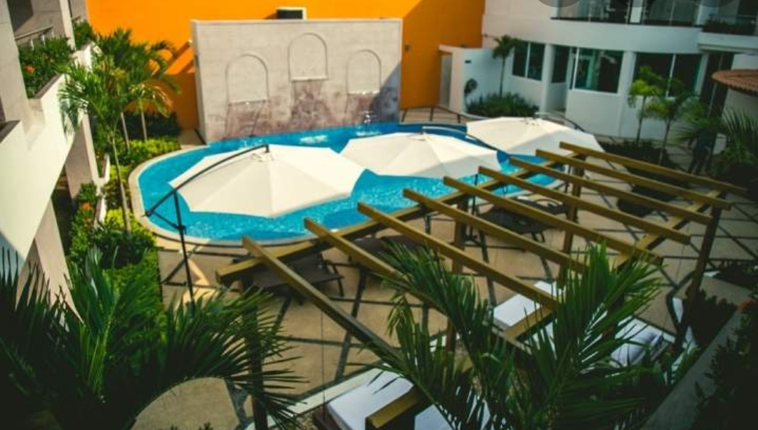 luxury hotel in la peñita