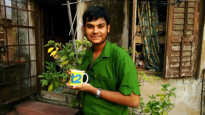 Resham Das with t2 trophy