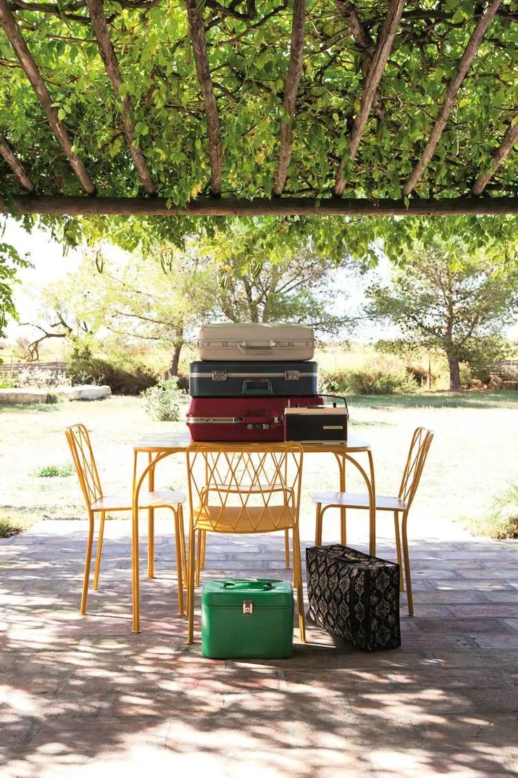 (6) « Finesse », salon de jardin signée Terence Conran pour Fermob.