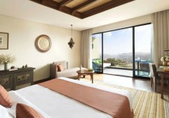 aaja_deluxe_canyon_view_bedroom_01_g_a_h