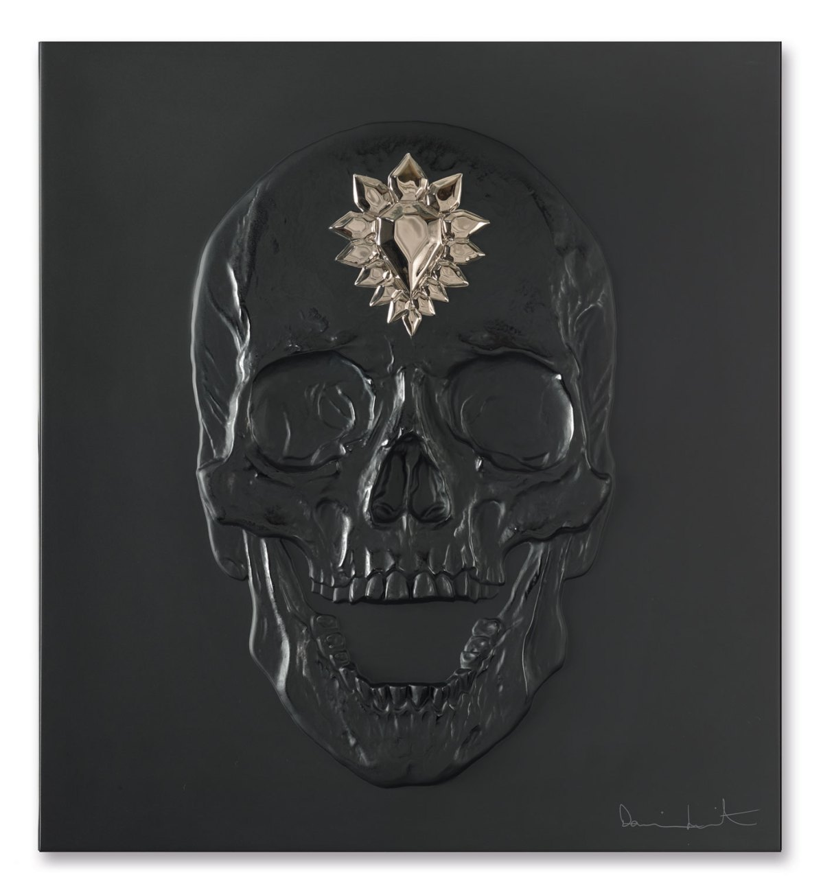 HD-88059107-ETERNAL-MEMENTO-Black-and-Platinum-Photo-François-Fernandez-©-Damien-Hirst-Science-Ltd-and-Lalique