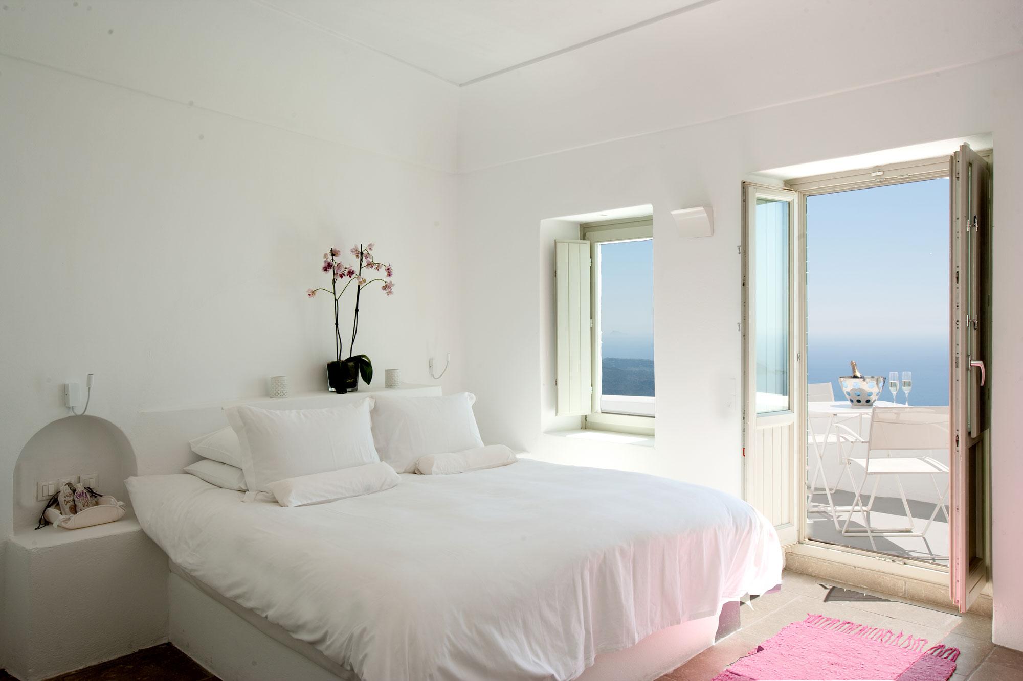 41 White Bedroom Interior Design Ideas  Pictures