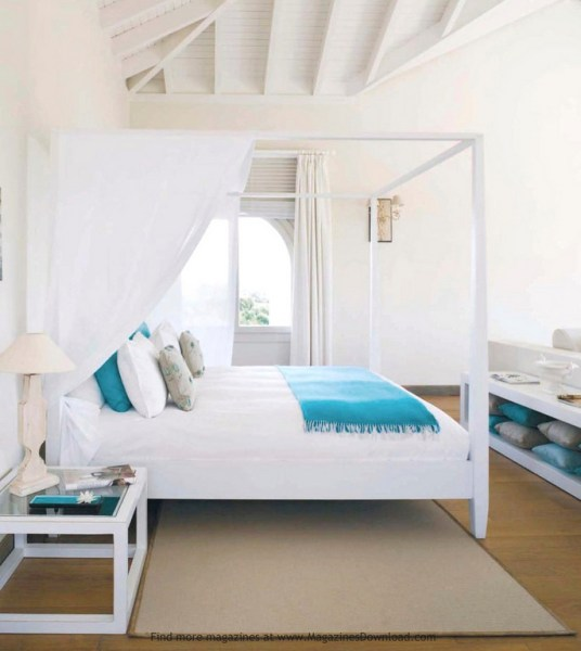 beach house bedroom 10 Beach House Decor Ideas