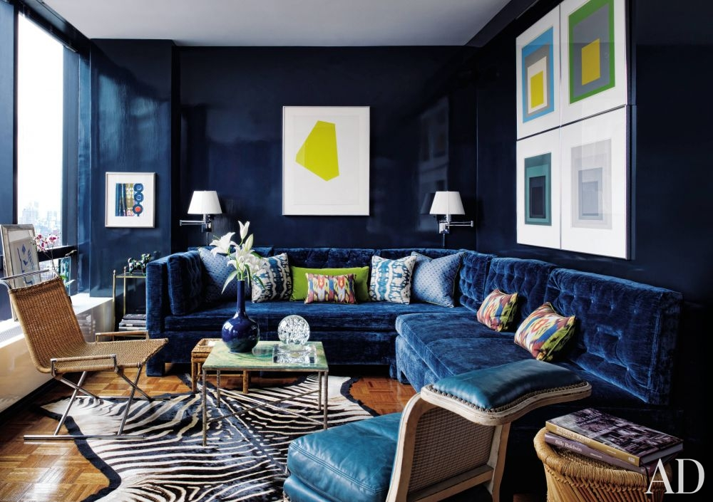 21 Diffe Style To Decorate Home With Blue Velvet Sofa. Cozy Family Home  Traditional Living Room ... Part 86