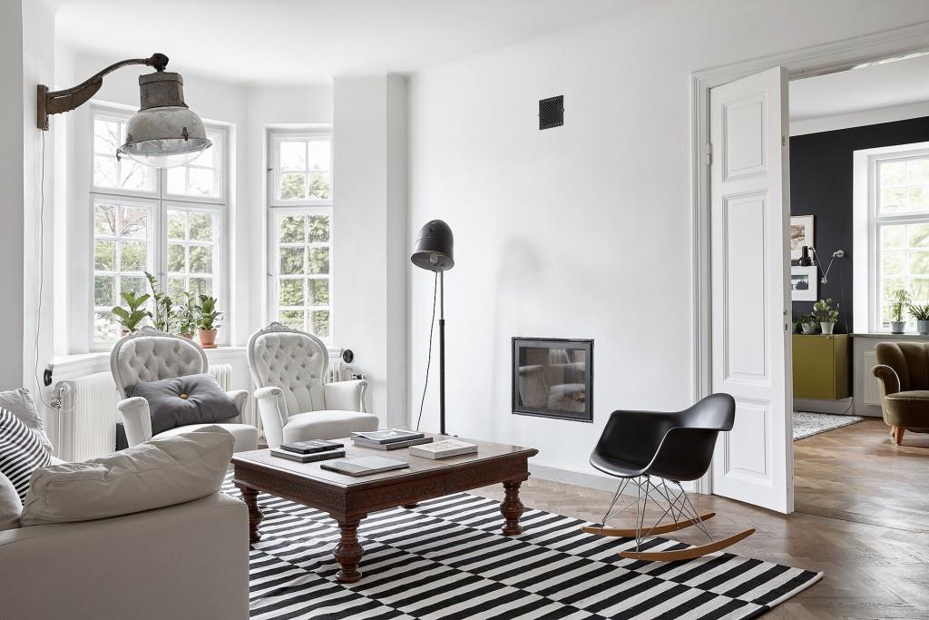 Black Amp White Interior Open House In Sweden