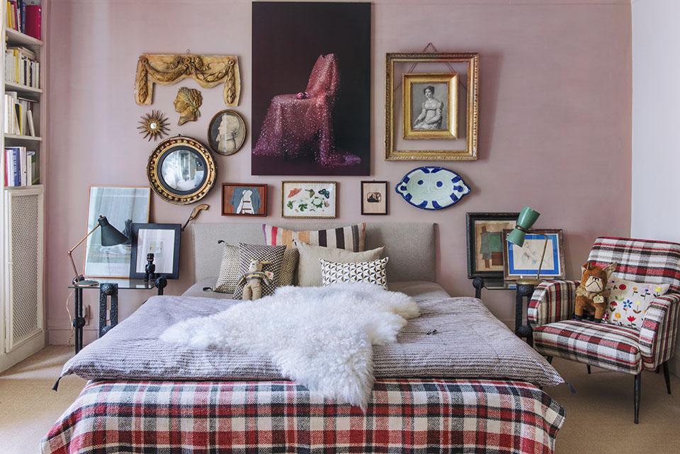 Vintage Style Small Apartment of Carole Borraz