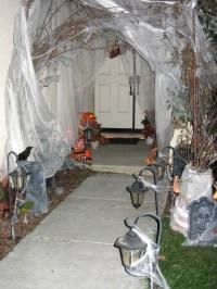 31 Ideas Halloween Decorations Door for Warm Welcome