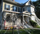 how to decorate with spider webs for halloween