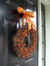 41 Amazing Ideas About Halloween Wreath For Warm Welcome