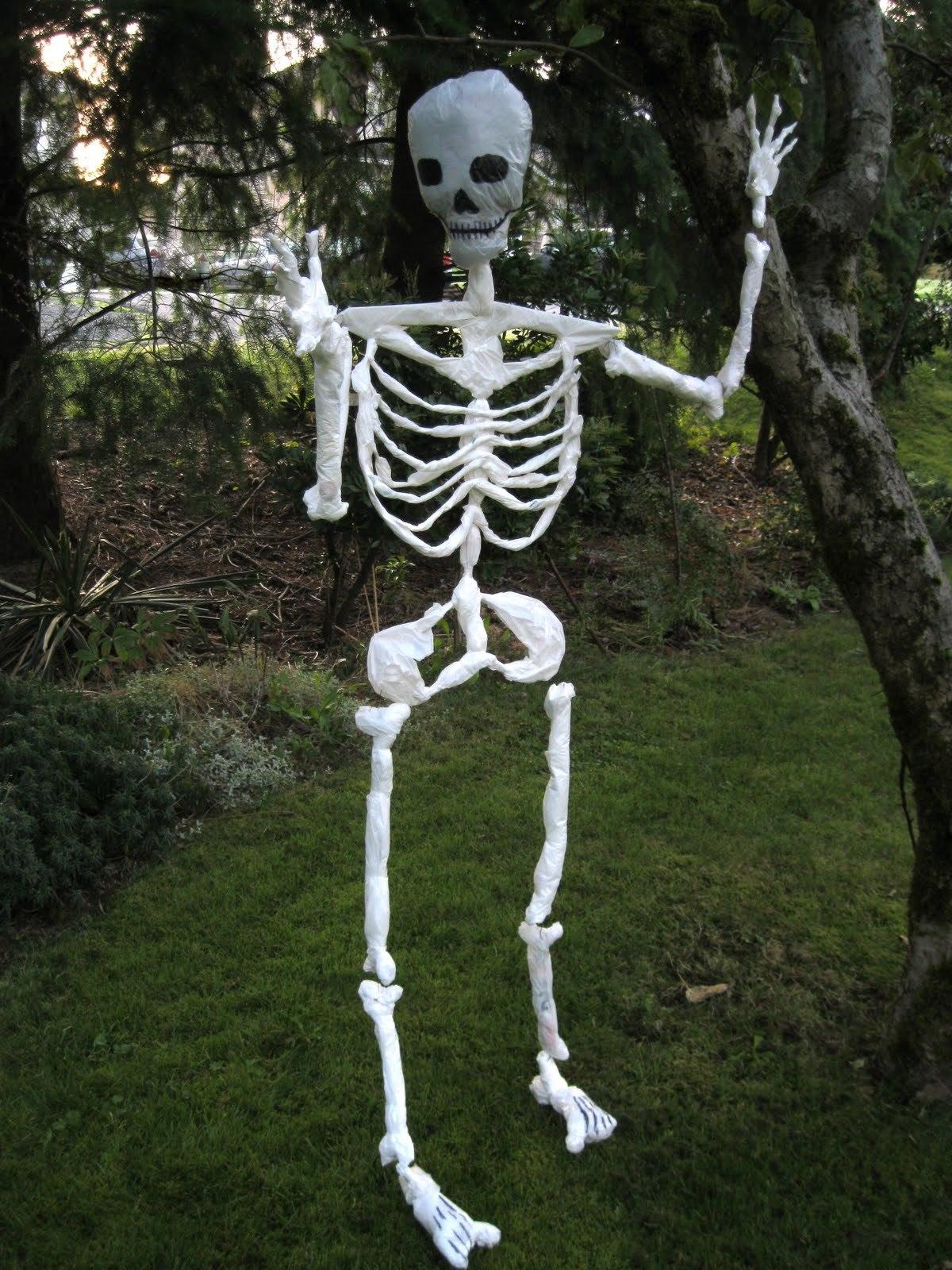 Indoor  Outdoor Halloween Skeleton Decorations Ideas