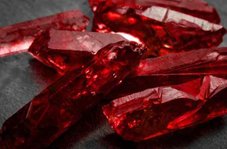 Cristalli di rubino