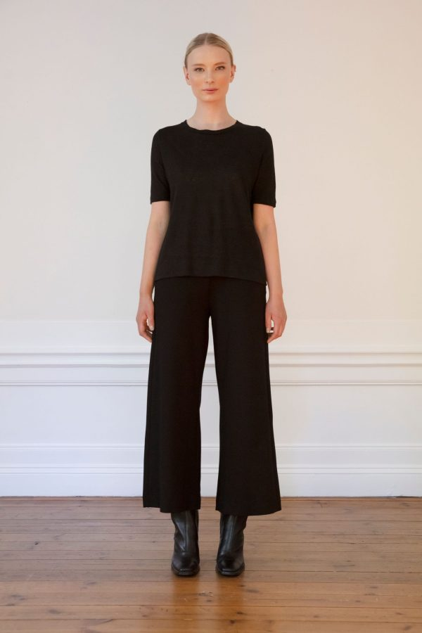 Residus tee Wilma Black with Lottie Pant