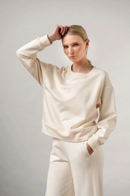 Ruth Sweatshirt in color white front