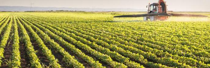 pesticides_field_tractor