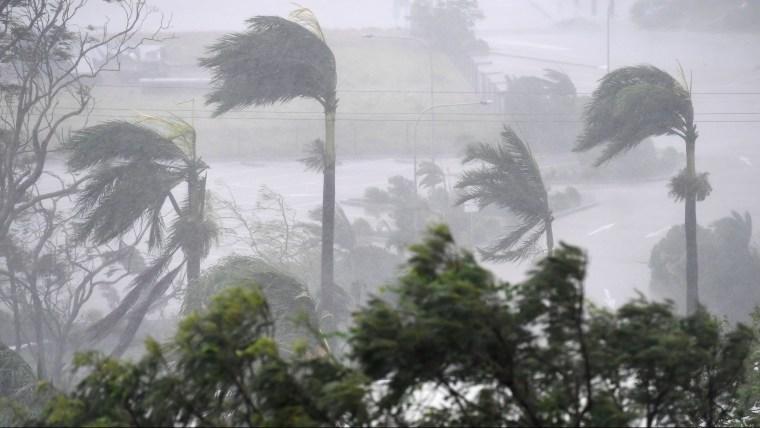 636262877727866003-epa-epaselect-australia-cyclone-debbie