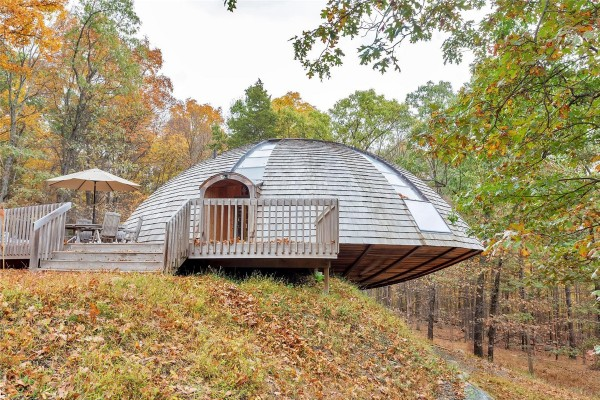 round-dome-house-600x400