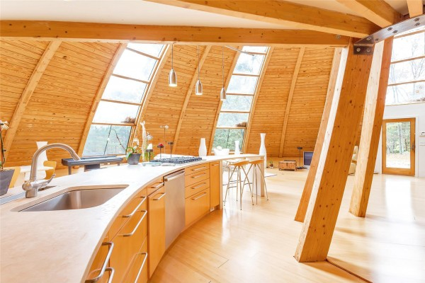 sloping-dome-home-design-600x400