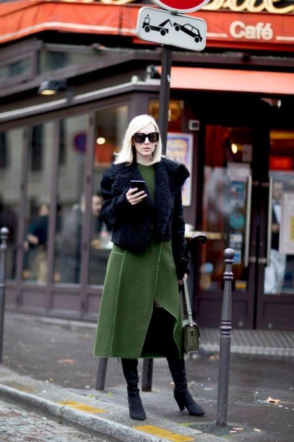 Un total look in stivali di lana e camoscio infeltriti