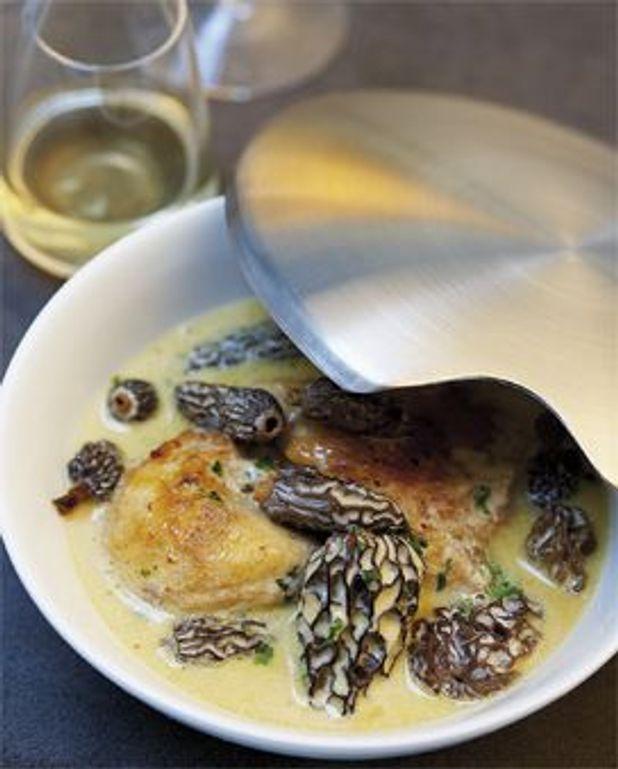 Poulet Au Vin Jaune Et Morilles : poulet, jaune, morilles, Poularde, Morilles, Jaune, Personnes, Recettes, Table