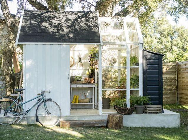 une jolie cabane pour mon jardin elle