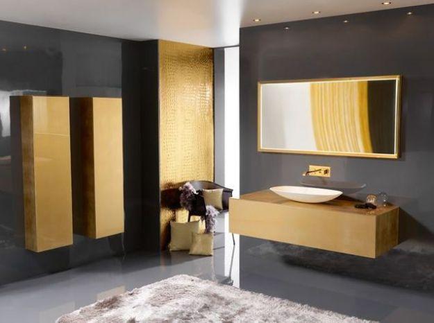 Salle de bains doree ambiance bain